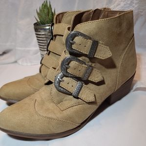 SO buckled Western mid length boots 9M